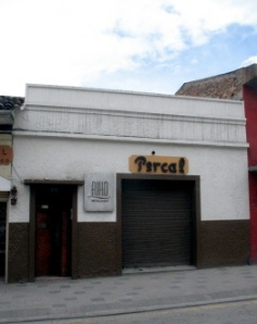 Calle Larga - Front Door On Left - Sports Bar On Right