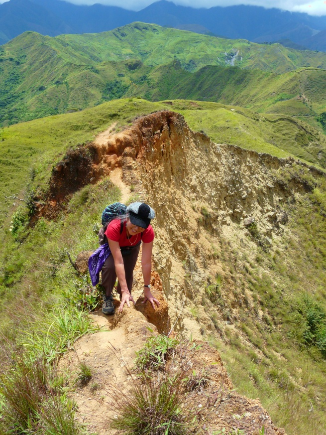 chiyemi-on-ridge-c-loop-hike-vilcabamba-lores