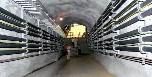 ten-100-megawatt-cables-in-gas-and-oil-insulatn